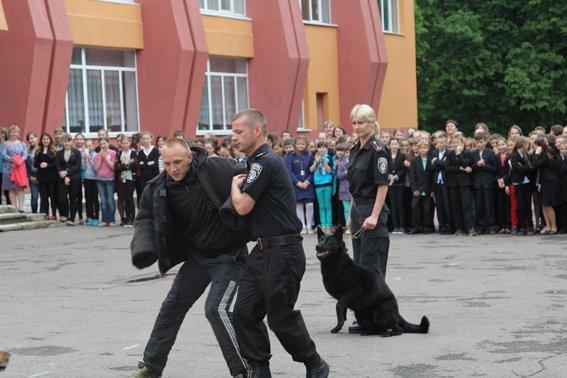 Рівненські міліціонери провели учням уроки «безпечних канікул» (+ФОТО) (фото) - фото 3