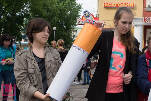 Жертвы табака пугали на улице гомельских курильщиков (фото) (фото) - фото 8