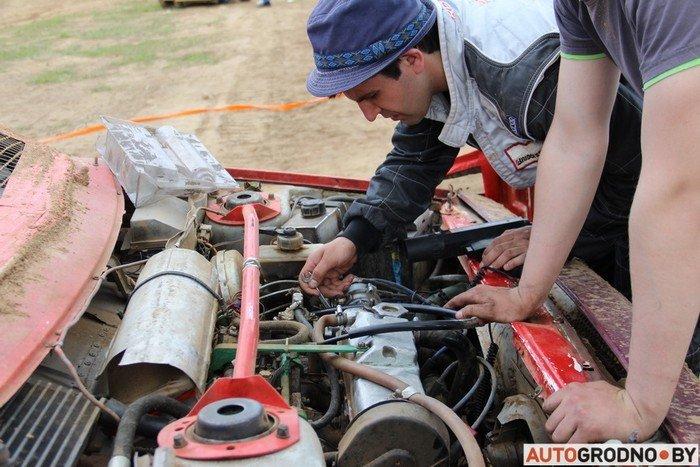 Жесткий автокросс в Гродно: каждый второй участник не дошел до финиша из-за таранов и переворотов (фото) - фото 13