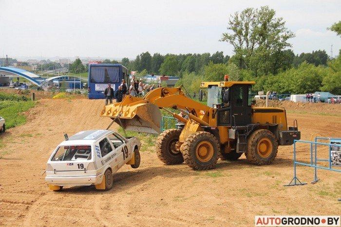 Жесткий автокросс в Гродно: каждый второй участник не дошел до финиша из-за таранов и переворотов (фото) - фото 8