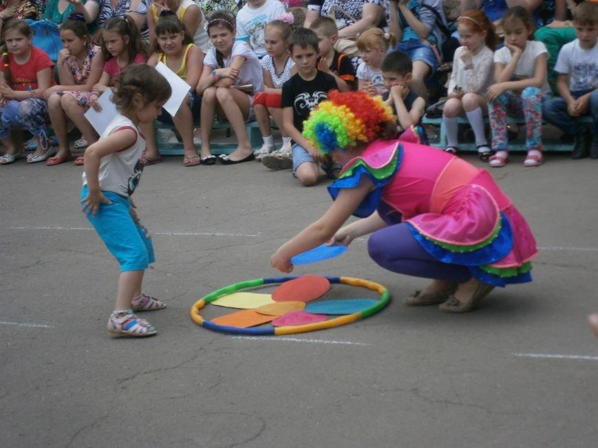 Коллектив Димитровской «Бригантины» поздравил детей с 1 июня (фото) - фото 3