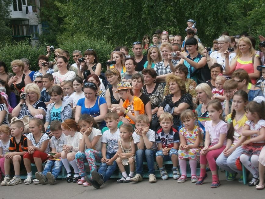 Коллектив Димитровской «Бригантины» поздравил детей с 1 июня (фото) - фото 10