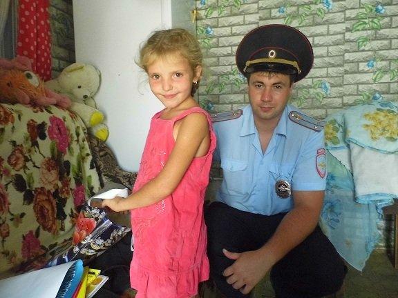 Инспекторы ОДН поздравили ребят с праздником (фото) - фото 1
