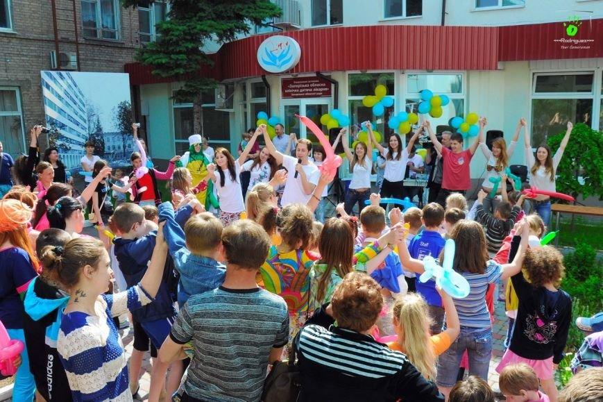 В Запорожье волонтеры на праздник развлекали детей в больнице (ФОТОРЕПОРТАЖ), фото-8