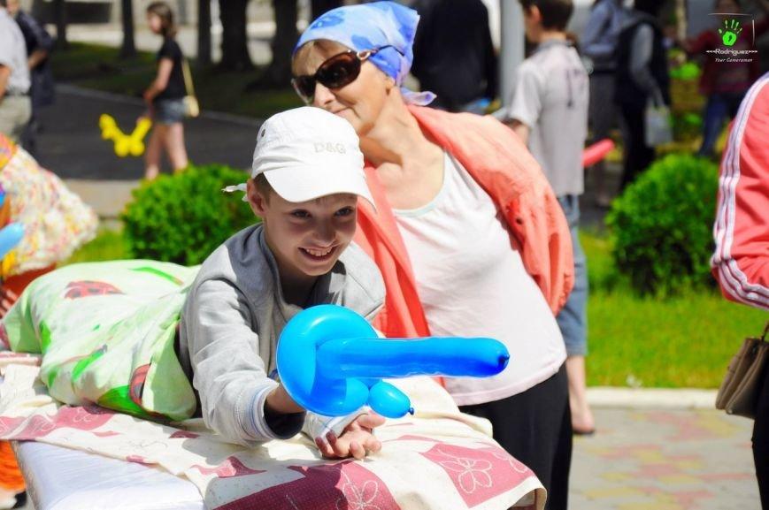 В Запорожье волонтеры на праздник развлекали детей в больнице (ФОТОРЕПОРТАЖ), фото-4