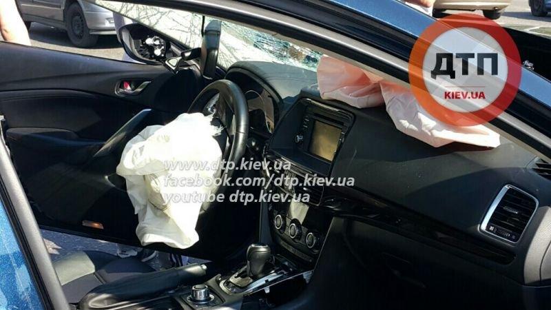 В Киеве на Соломенке масштабная авария спровоцировала затор (ФОТО) (фото) - фото 1
