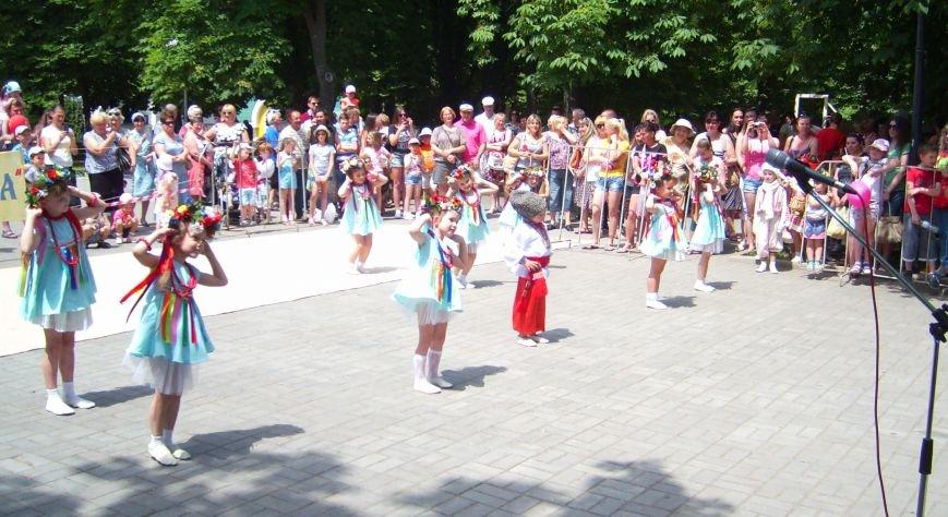 Масштабный благотворительный праздник объединил семьи николаевцев в Каштановом сквере (ФОТО) (фото) - фото 3