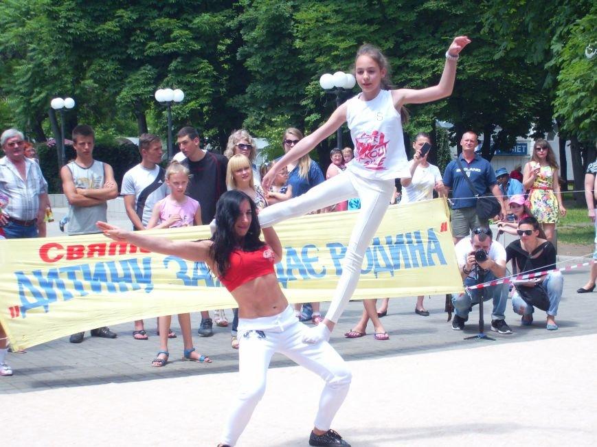 Масштабный благотворительный праздник объединил семьи николаевцев в Каштановом сквере (ФОТО), фото-6