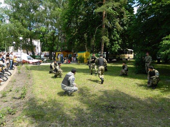 У Кіровограді міліціонери долучилися до організації свята для підростаючого покоління. ФОТО (фото) - фото 1