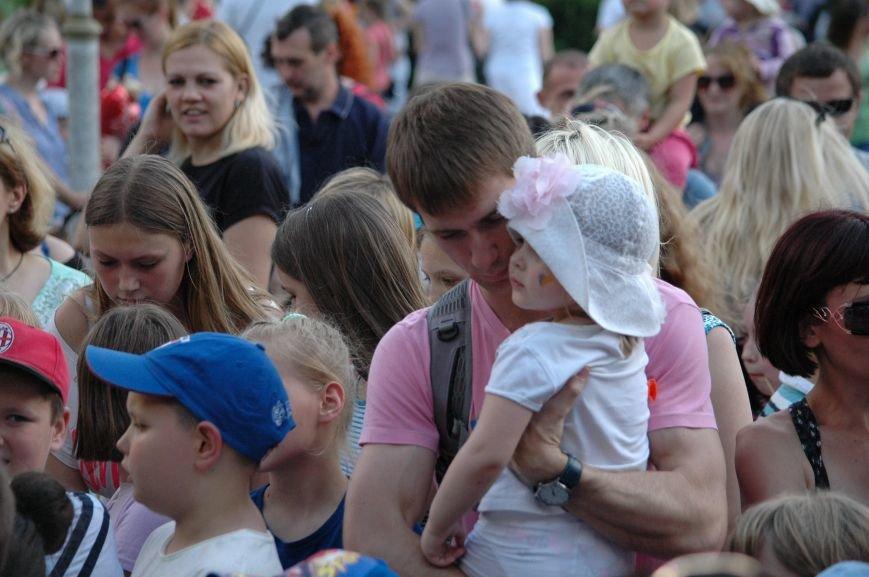 В Запорожье состоялись массовые гуляния по случаю детского праздника (ФОТОРЕПОРТАЖ), фото-33