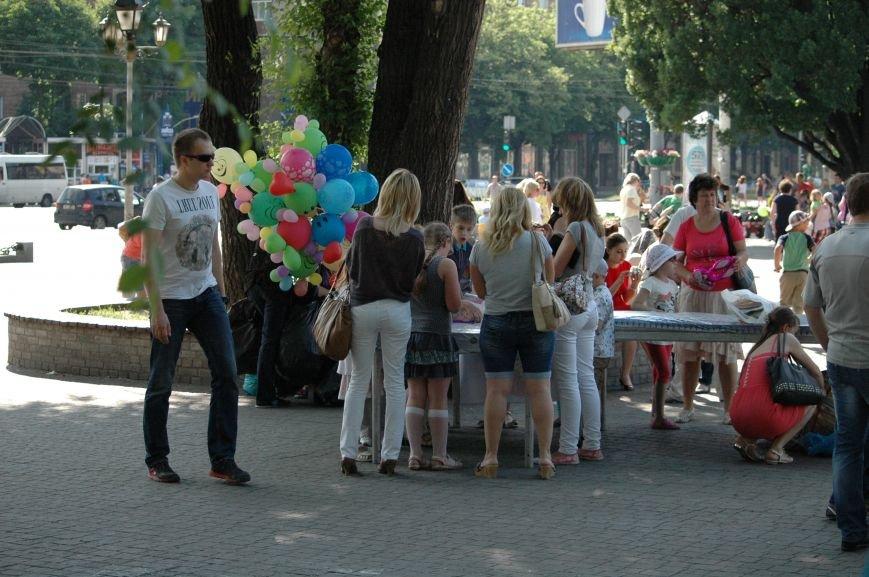 В Запорожье состоялись массовые гуляния по случаю детского праздника (ФОТОРЕПОРТАЖ), фото-37