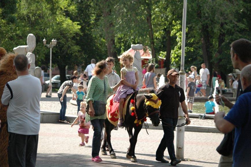 В Запорожье состоялись массовые гуляния по случаю детского праздника (ФОТОРЕПОРТАЖ), фото-18