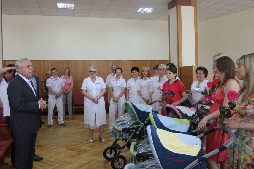Городской голова Юрий Вилкул поздравил мам, родивших деток в День города  (ФОТО), фото-7