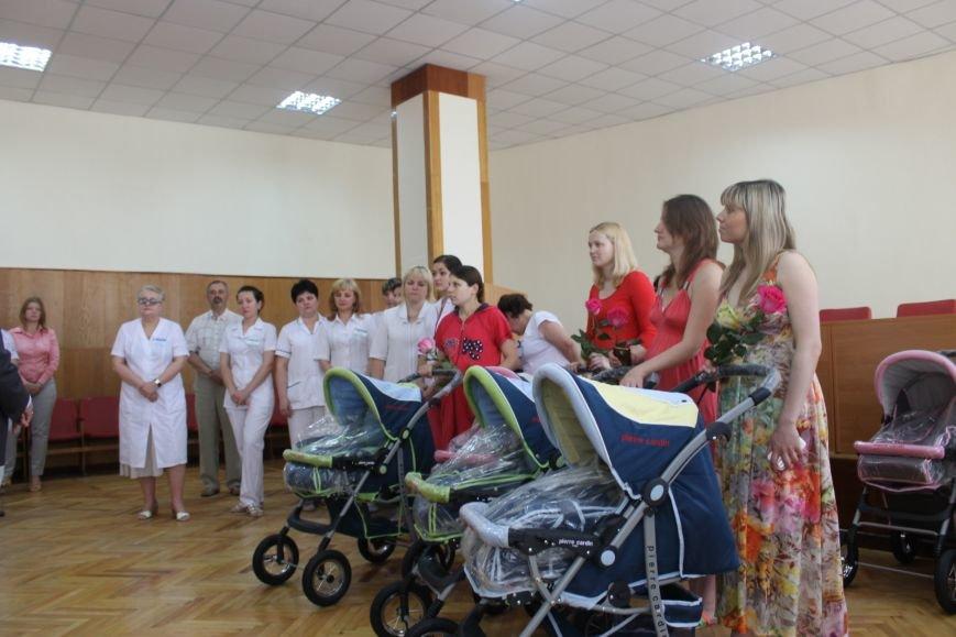 Городской голова Юрий Вилкул поздравил мам, родивших деток в День города  (ФОТО), фото-8