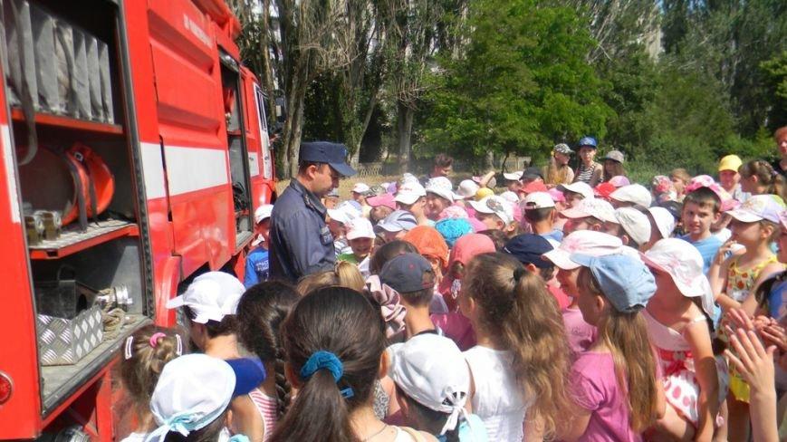 Каховские спасатели проводят разъяснительную работу среди детей в пришкольных лагерях (фото) - фото 1