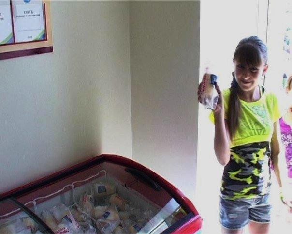 В Армавире в День защиты детей ребятишки получили мороженое от пекарни-кулинарии «Пури да хачапури» (фото) - фото 1