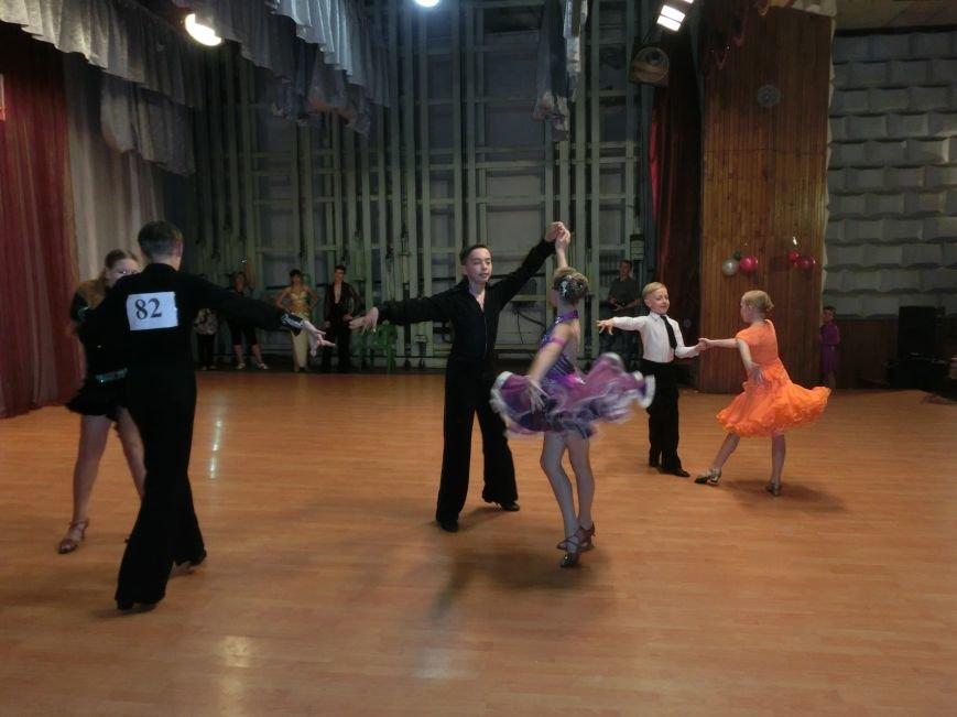 «Весняні зорі – 2015»: танцоры из Димитрова и Красноармейска зажигали танцпол (фото) - фото 17
