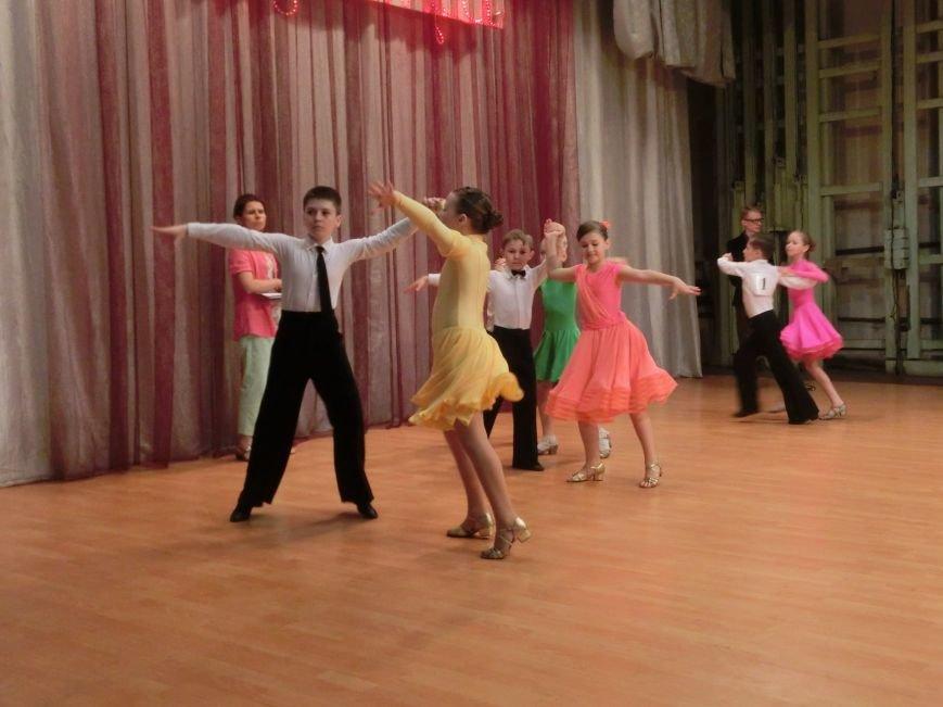«Весняні зорі – 2015»: танцоры из Димитрова и Красноармейска зажигали танцпол (фото) - фото 9