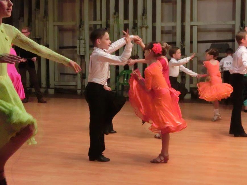 «Весняні зорі – 2015»: танцоры из Димитрова и Красноармейска зажигали танцпол (фото) - фото 8