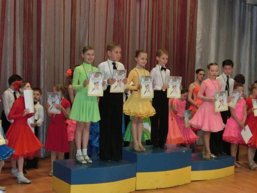 «Весняні зорі – 2015»: танцоры из Димитрова и Красноармейска зажигали танцпол (фото) - фото 27