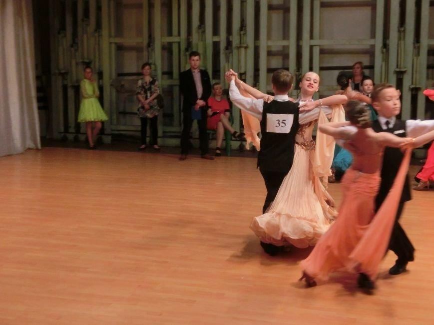 «Весняні зорі – 2015»: танцоры из Димитрова и Красноармейска зажигали танцпол (фото) - фото 12