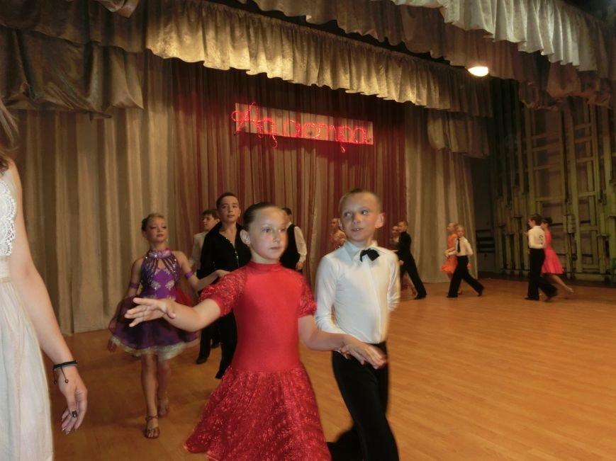 «Весняні зорі – 2015»: танцоры из Димитрова и Красноармейска зажигали танцпол (фото) - фото 19