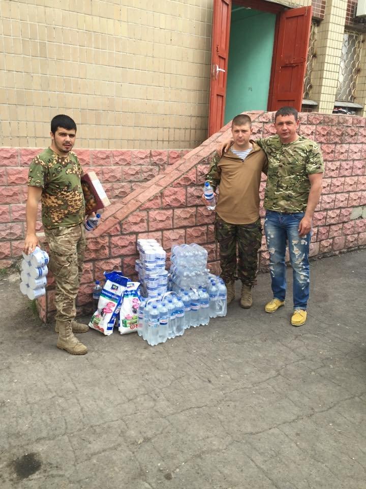 Николаевские волонтеры спели бойцам 79-ой бригады «про сепаров» (ФОТО) (фото) - фото 1