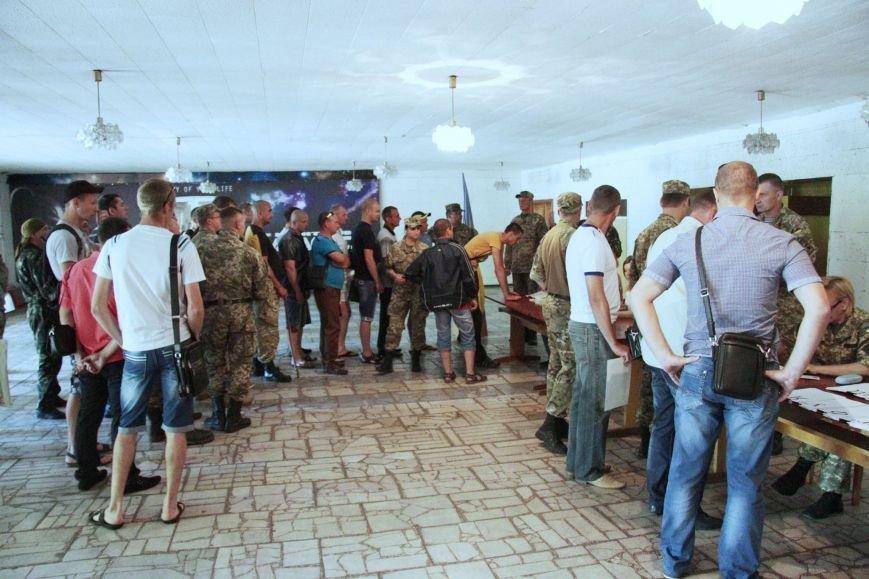 Раненые под Иловайском бойцы «Кривбасса» получили удостоверения участника боевых действий (ФОТО), фото-3