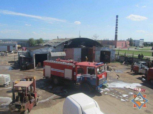 В Гродно на участке розлива химпродукции произошел пожар (фото) - фото 8