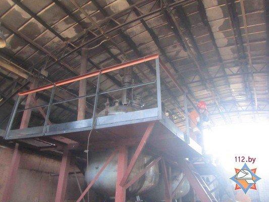 В Гродно на участке розлива химпродукции произошел пожар (фото) - фото 7