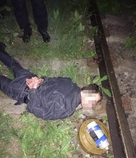 Харьковская СБУ задержала террориста, который пытался взорвать железную дорогу (ФОТО+ВИДЕО) (фото) - фото 1