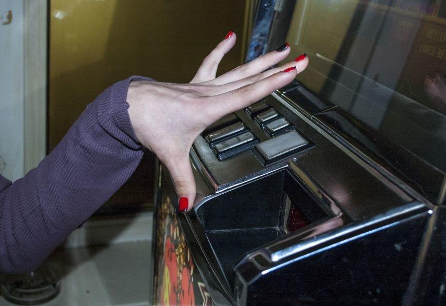 Неистребимые: В Запорожье третий раз закрыли зал игровых автоматов (ФОТОРЕПОРТАЖ), фото-9