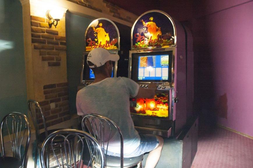 Неистребимые: В Запорожье третий раз закрыли зал игровых автоматов (ФОТОРЕПОРТАЖ), фото-8