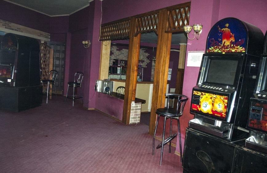Неистребимые: В Запорожье третий раз закрыли зал игровых автоматов (ФОТОРЕПОРТАЖ), фото-10