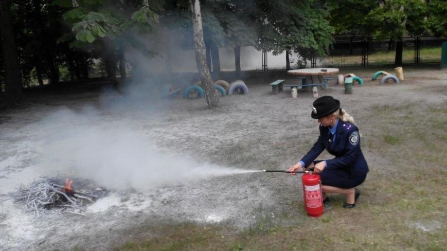Милиция и спасатели эвакуировали детей из детского сада (ФОТО) (фото) - фото 1