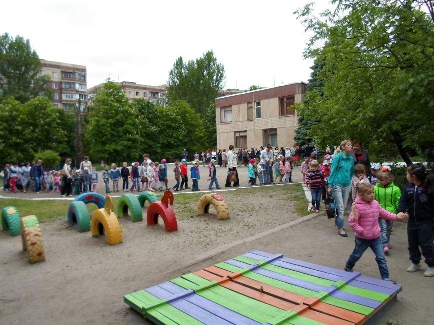 Милиция и спасатели эвакуировали детей из детского сада (ФОТО), фото-3
