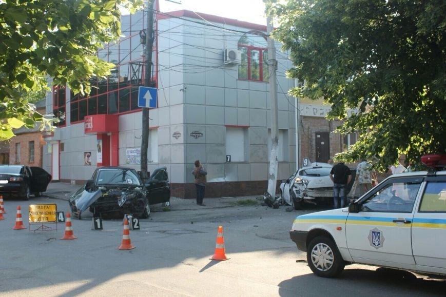 Появились фото с места смертельной аварии в Кировограде (фото) - фото 1