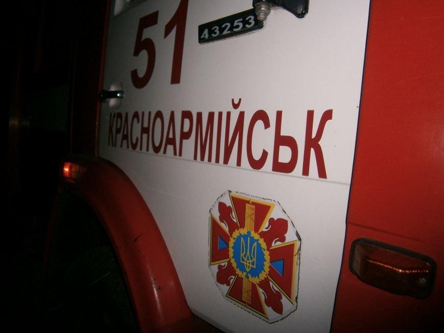 Ночной пожар в Димитрове: на месте возгорания работают Димитровские и Красноармейские спасатели (ОБНОВЛЯЕТСЯ) (фото) - фото 11