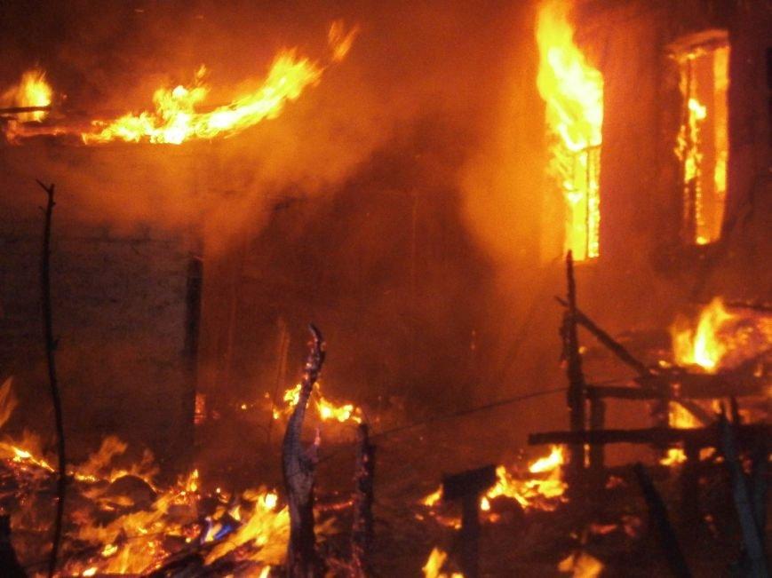 Ночной пожар в Димитрове: на месте возгорания работают Димитровские и Красноармейские спасатели (ОБНОВЛЯЕТСЯ) (фото) - фото 15