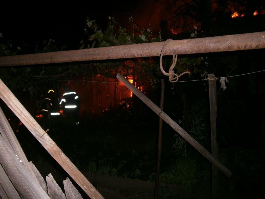 Ночной пожар в Димитрове: на месте возгорания работают Димитровские и Красноармейские спасатели (ОБНОВЛЯЕТСЯ) (фото) - фото 10