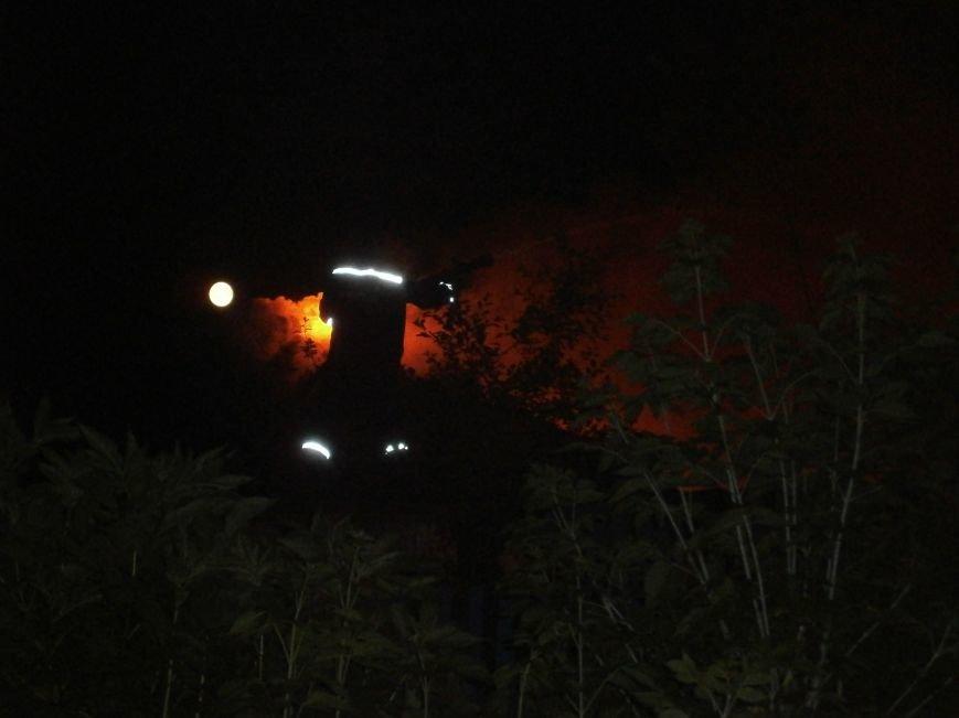 Ночной пожар в Димитрове: на месте возгорания работают Димитровские и Красноармейские спасатели (ОБНОВЛЯЕТСЯ) (фото) - фото 16