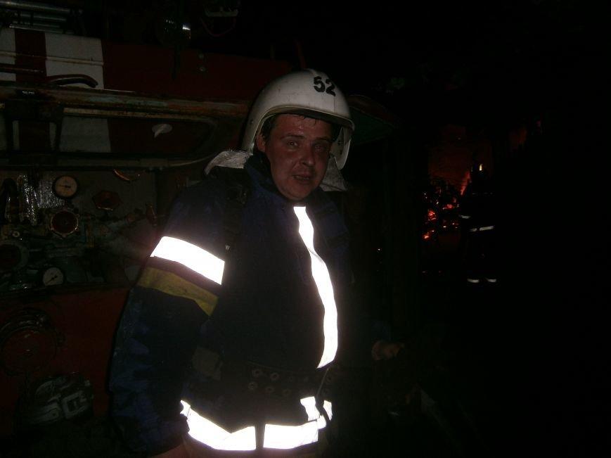 Ночной пожар в Димитрове: на месте возгорания работают Димитровские и Красноармейские спасатели (ОБНОВЛЯЕТСЯ) (фото) - фото 14
