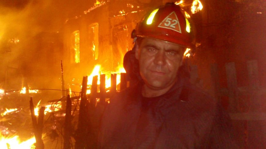 Ночной пожар в Димитрове: на месте возгорания работают Димитровские и Красноармейские спасатели (ОБНОВЛЯЕТСЯ), фото-8