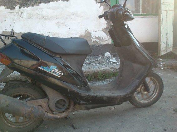 У Карлівському районі молодики викрали скутер (фото) - фото 1