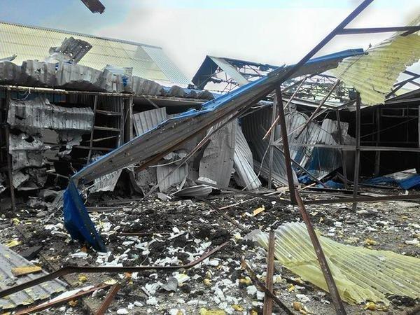 Донецкий рынок «Сокол» превратился в руины. Горел автовокзал «Западный» (фото) (фото) - фото 3