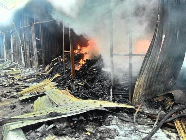 Донецкий рынок «Сокол» превратился в руины. Горел автовокзал «Западный» (фото) (фото) - фото 4