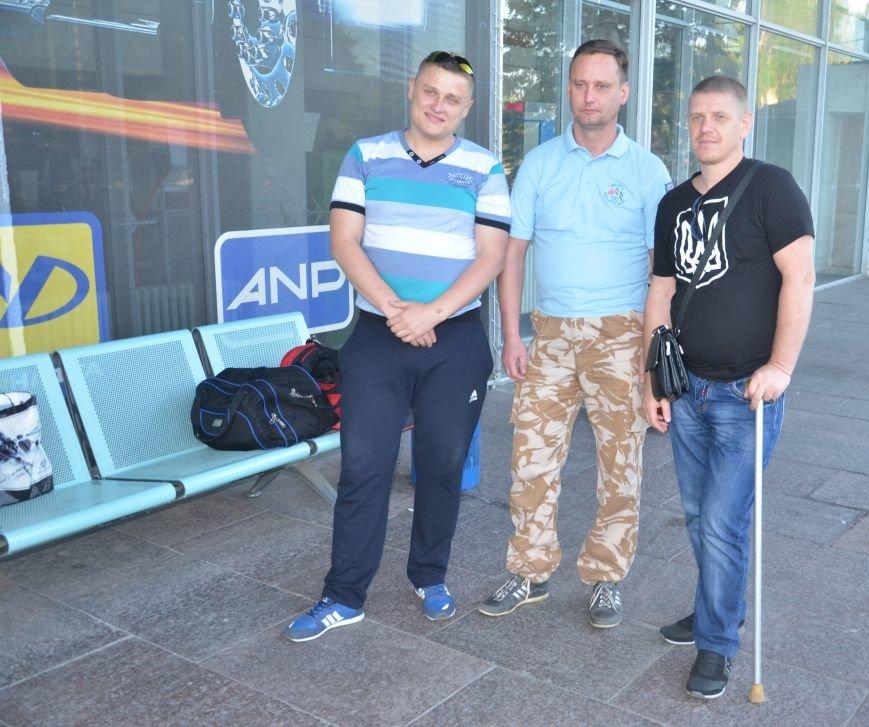 На реабилитацию в Литву отправились трое бойцов АТО с Днепропетровщины, фото-2