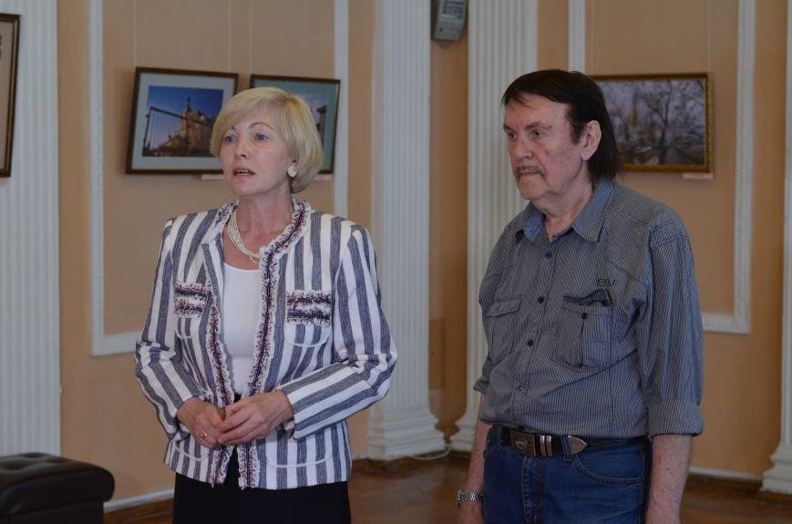 В Симферополе открылась фотовыставка, посвященная Дню города (ФОТО), фото-10