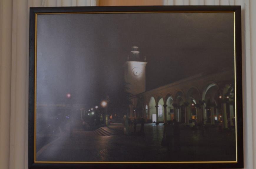 В Симферополе открылась фотовыставка, посвященная Дню города (ФОТО), фото-8