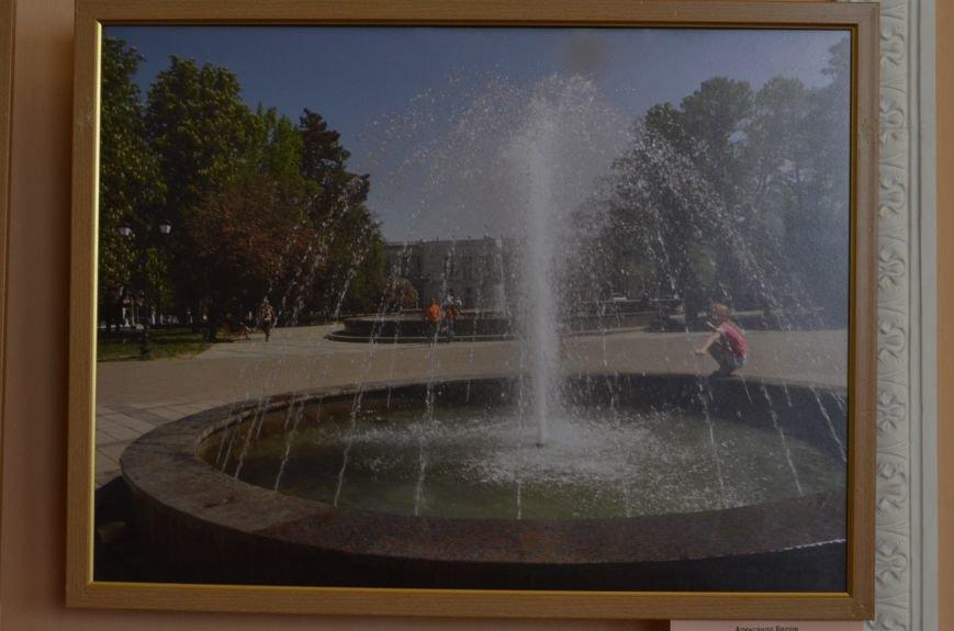 В Симферополе открылась фотовыставка, посвященная Дню города (ФОТО), фото-1